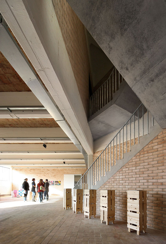 51n4e buda art center hic arquitectura for Dujardin kortrijk