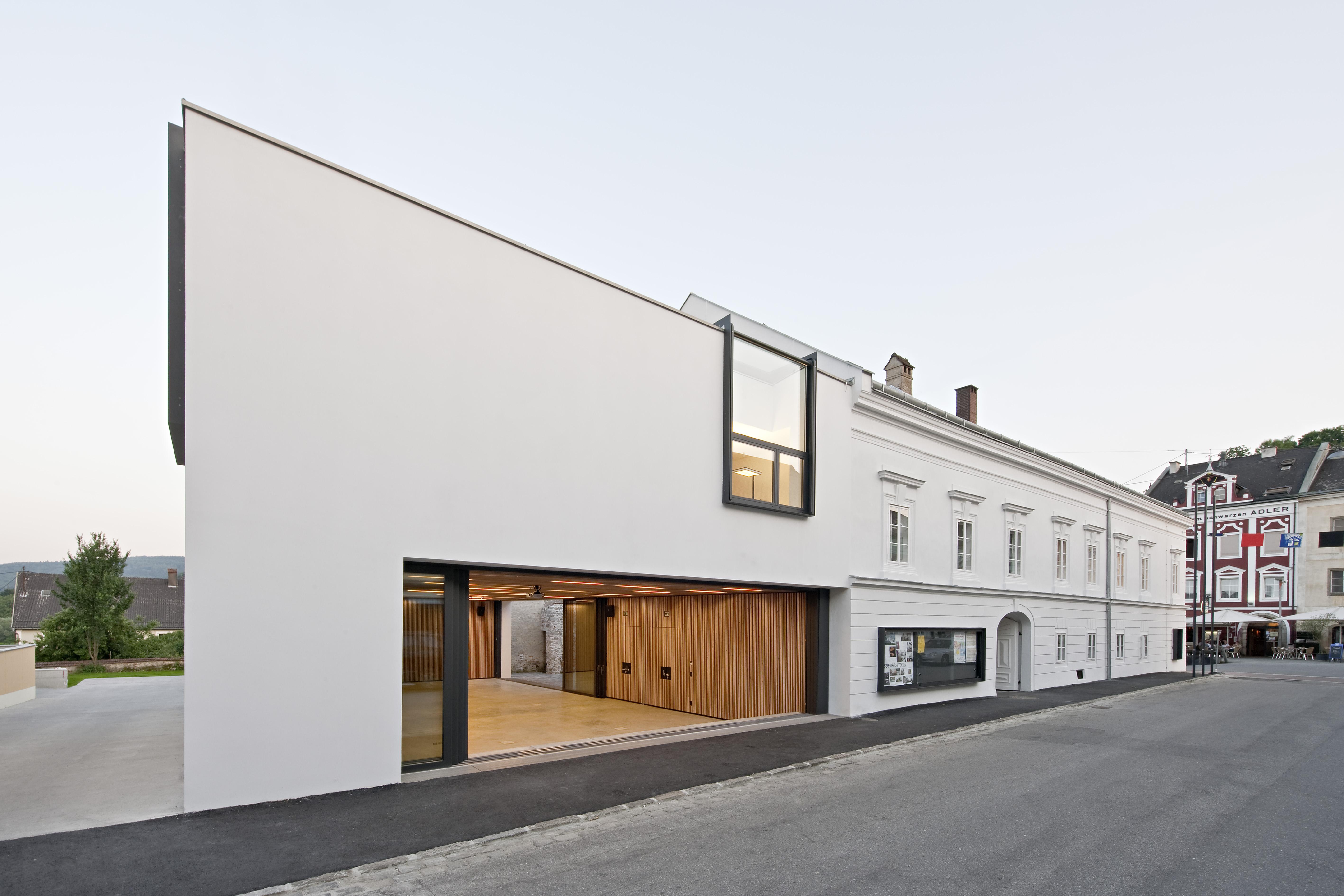 sue architekten the open municipal hall hic arquitectura. Black Bedroom Furniture Sets. Home Design Ideas