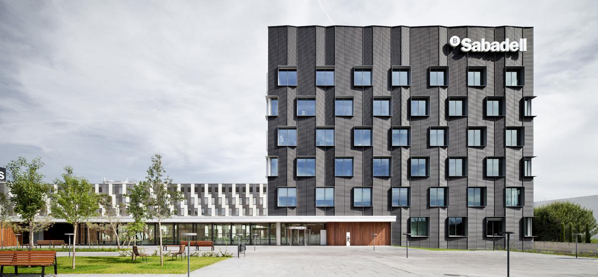 Bach arquitectes sede central banc sabadell hic for Oficinas bancsabadell