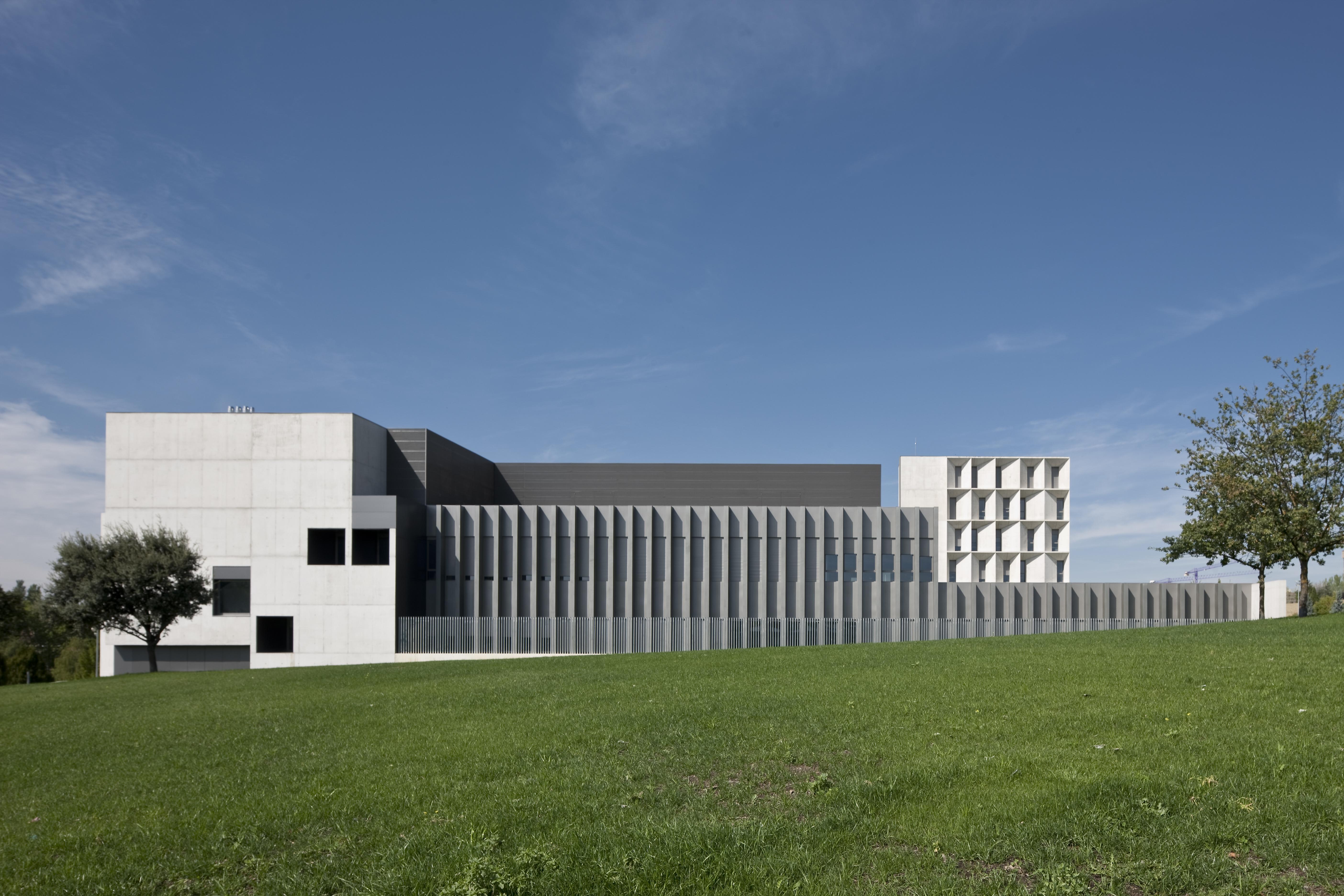 Otxotorena arquitectos nuevo edificio de econom a for Arquitecto universidad