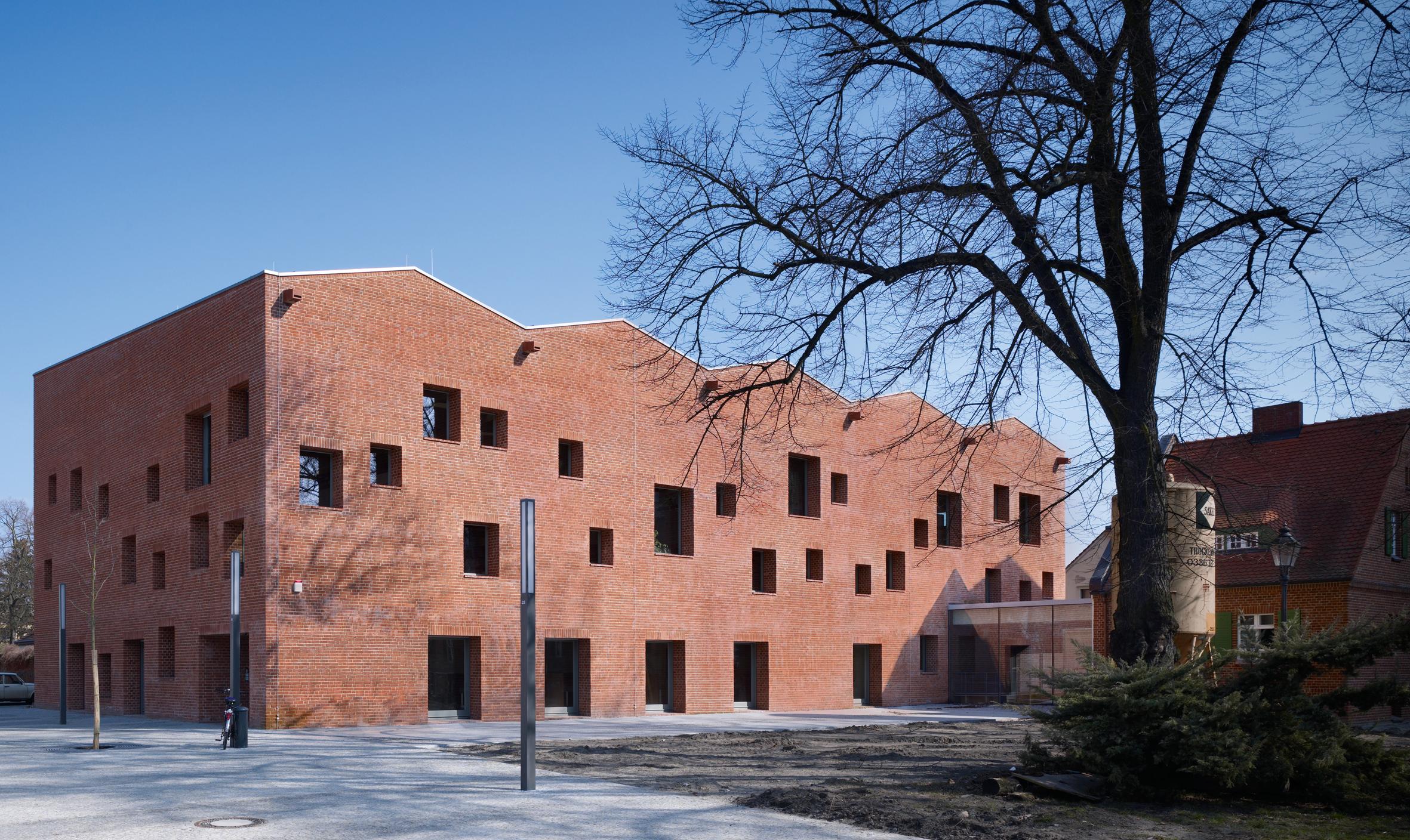 Bruno fioretti marquez architekten mittelpunktbibliothek altstadt k penick berlin hic - Architekten deutschland ...