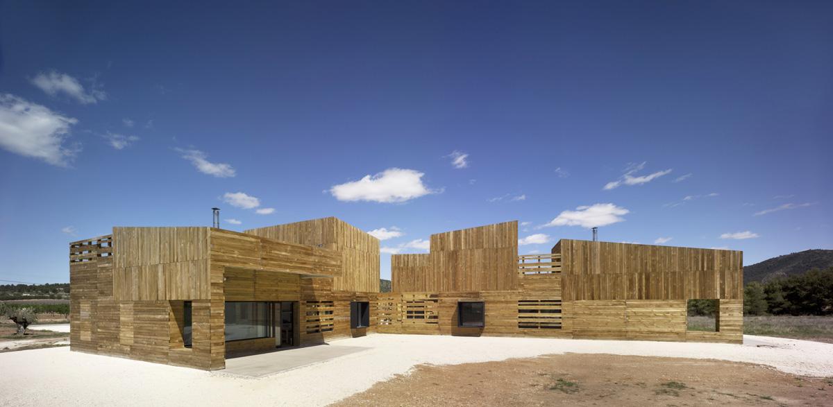 Blancafort reus casa para 3 hermanas hic arquitectura - Casa rural reus ...