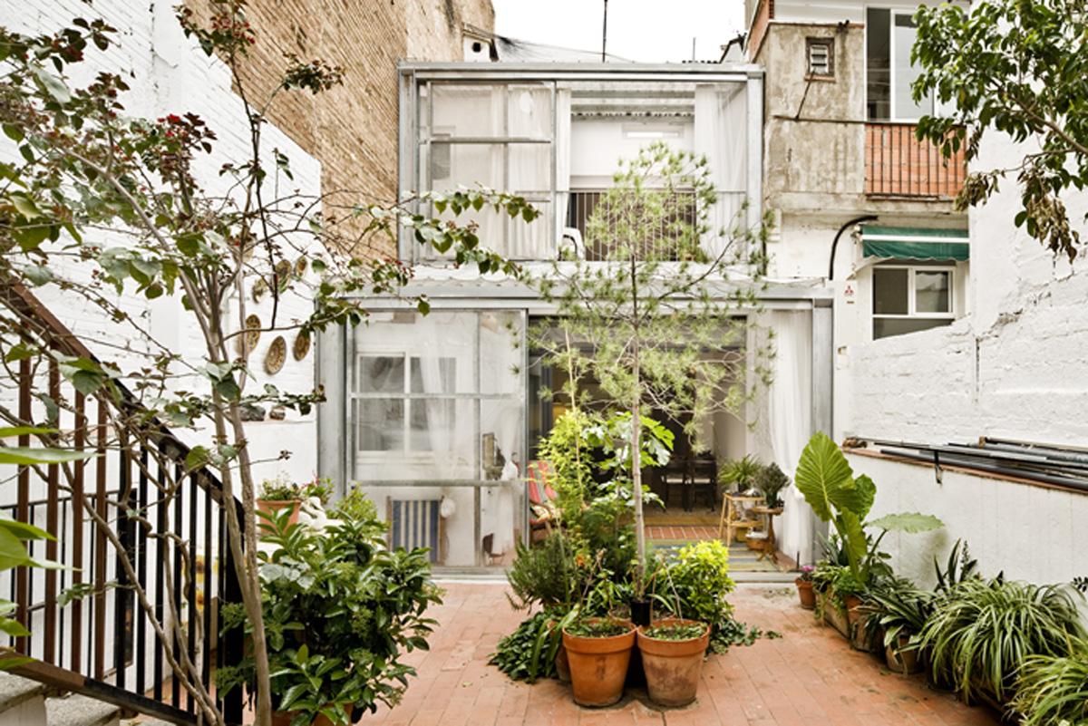 Jordi adell reforma casa patio en sants barcelona hic - Casa con jardin barcelona ...
