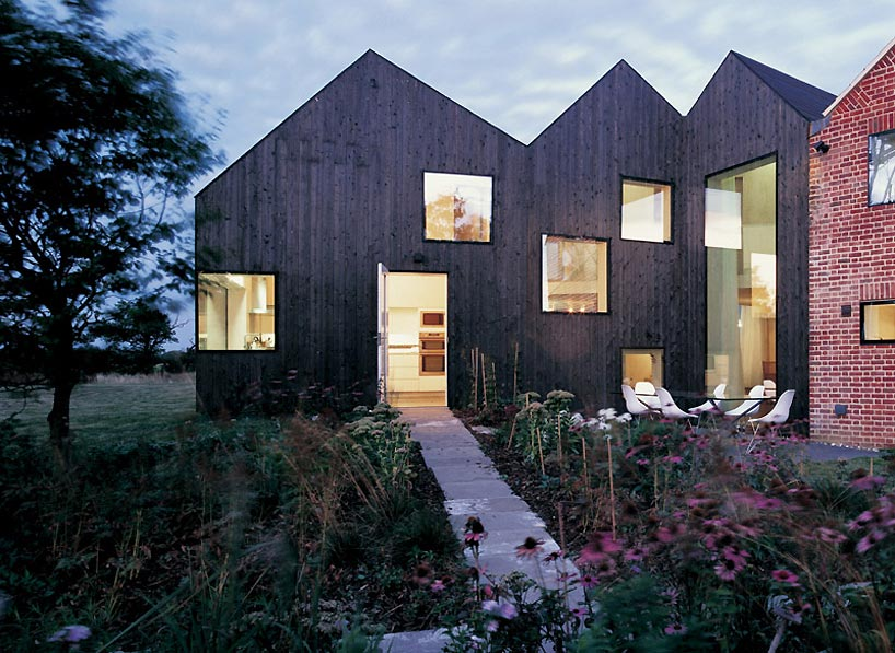 Modern Pitched Roof | Modern World Home Interior Inspiration and ...