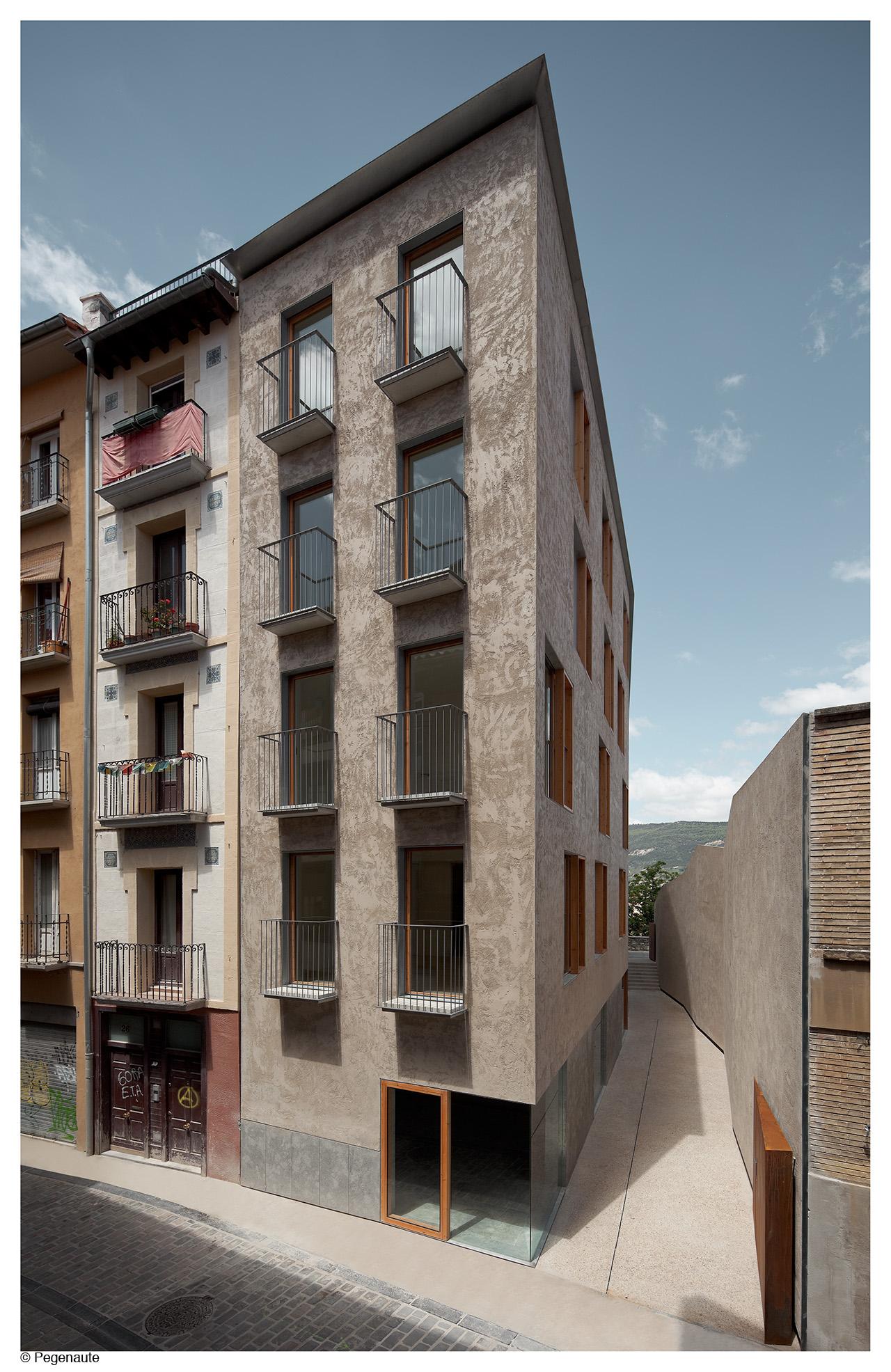 Pereda Pérez Arquitectos > Edificio de viviendas en la calle ...