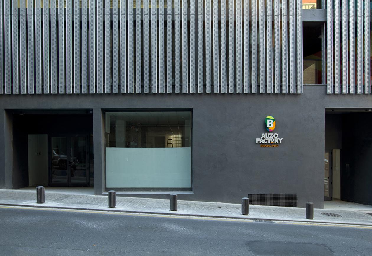 Su rez santas arquitectos intervenci n en una fachada - Estudios arquitectura bilbao ...