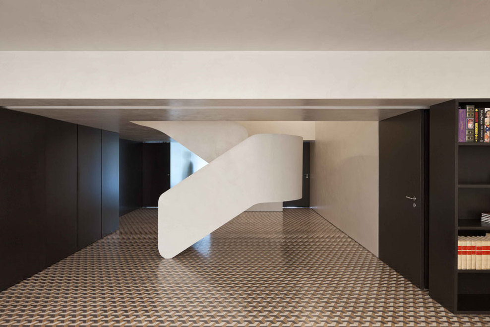 Correia ragazzi arquitectos rehabilitation of an for Minimalist flooring