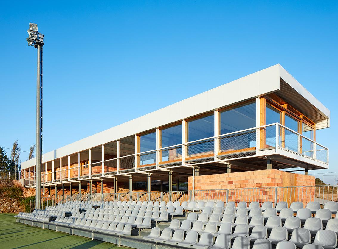 Bammp arquitectes polideportivo matadapera hic arquitectura - Arquitectos terrassa ...