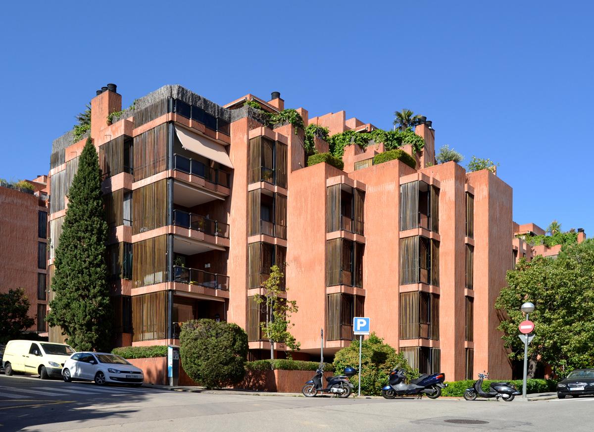 José Antonio Coderch > Edificio de viviendas del Banco Urquijo. 1967 ...