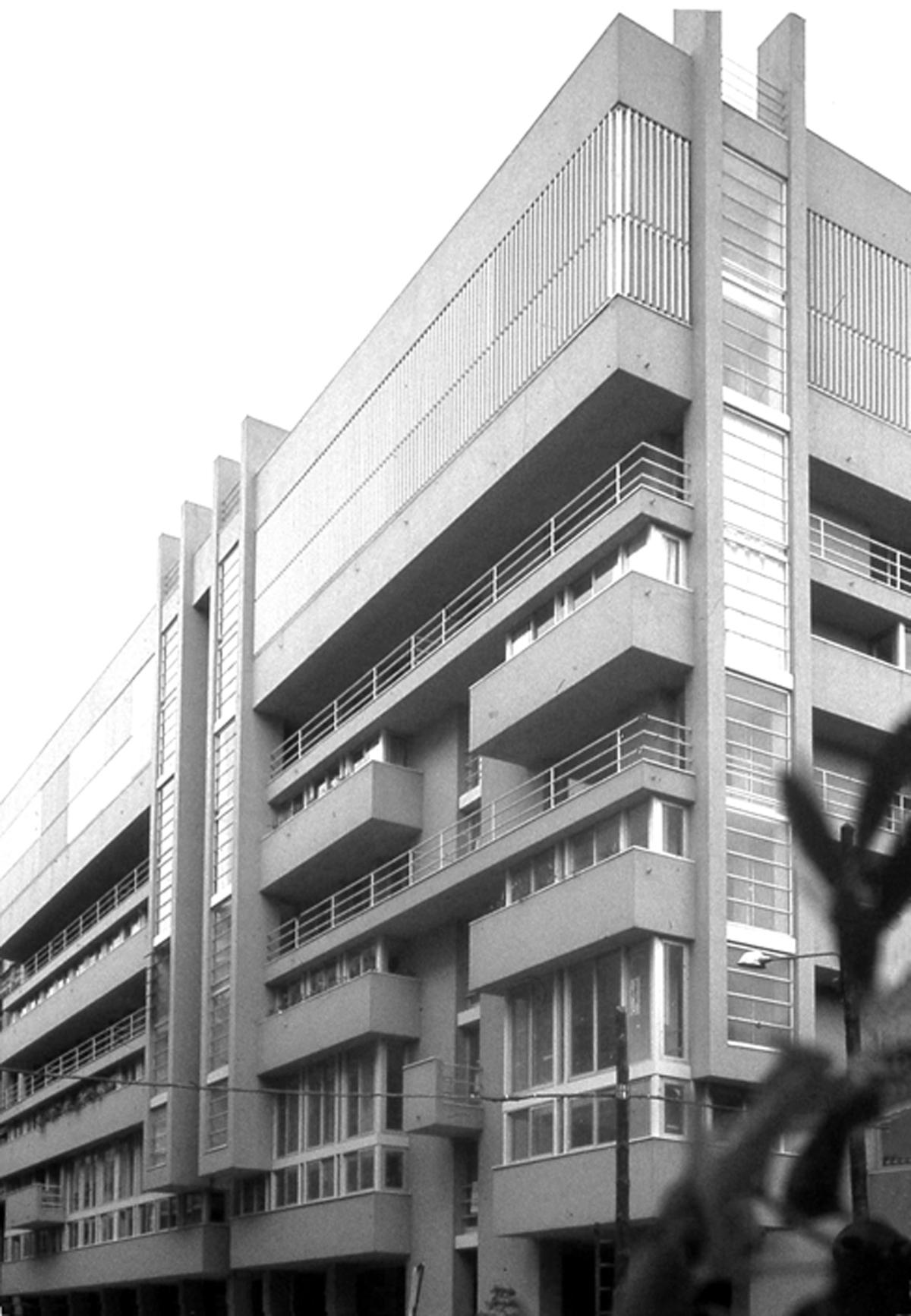 Esteve Bonell > Viviendas Frégoli   HIC Arquitectura